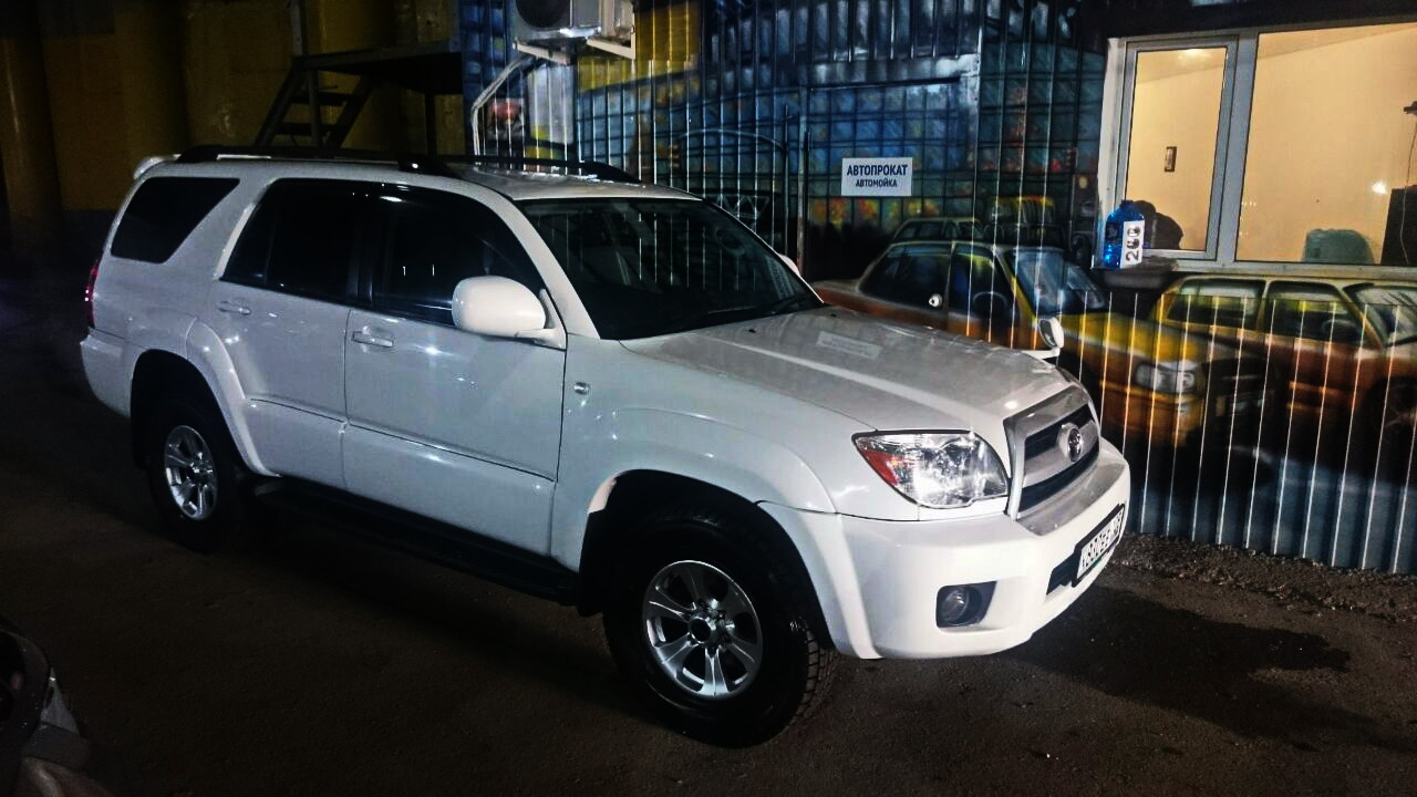 TOYOTA HILUX SURF 4WD 2007г. от 3000р/сутки.